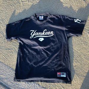 Vintage Vtg 2004 Nike yankees shirt